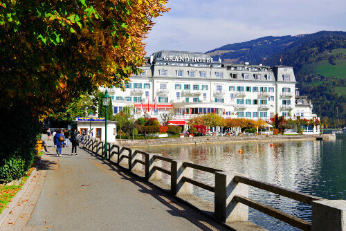 The Grand Hotel Zell am See is situated in Zell am See old town and Zell Lake in Austria