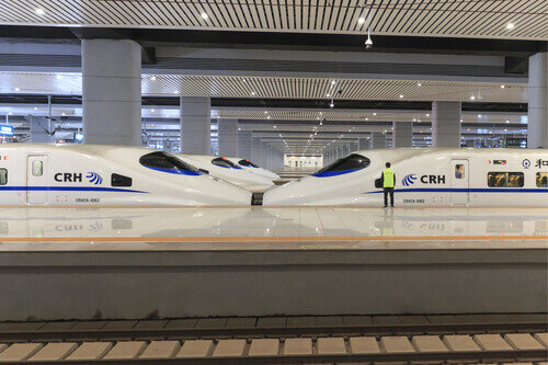 The new fast train station links Kunming to Beijing, Shanghai and Guangzhou in China