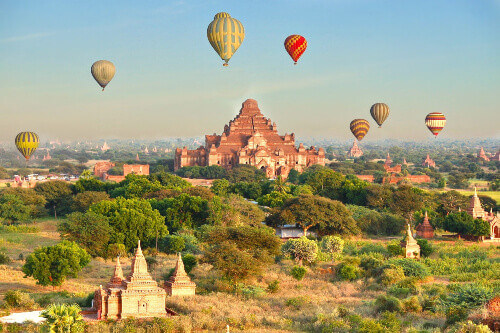 Many temples, pagodas and stupas with hot air balloon adventure rides in this bicycle friendly city of Bagan Myanmar