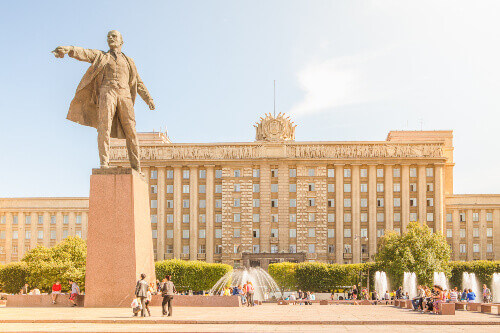 The modern complex of holiday fountains on Moscow square with statue of Lenin in Saint Petersburg Russia
