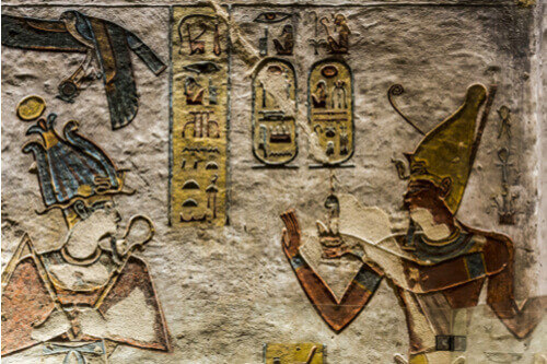 hieroglyphics close up valley of the kings egypt