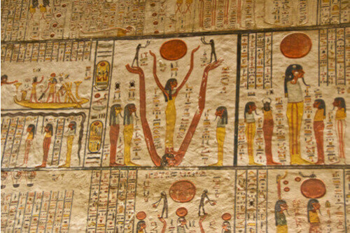 Hieroglyphics king tutankhamuns tomb egypt