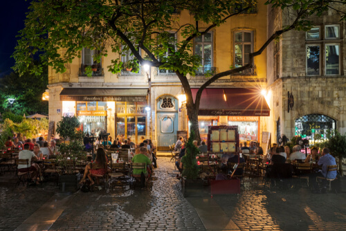 Restaurant in Lyon at night