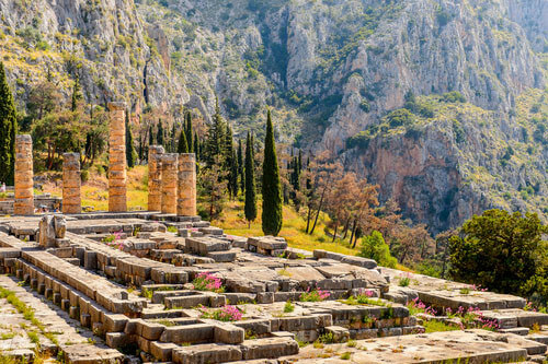 sanctuary of apollo delphi greece